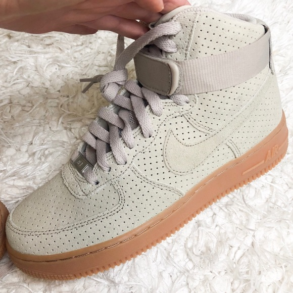 outlet store 9cc46 c5109 Nike Air Force One Women's 7.5 U.S.